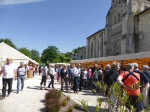 Marché des Métiers d'Art @ Place de la Prieurale à Cunault | Chênehutte-Trèves-Cunault | Pays de la Loire | France